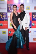 Kriti Sanon, Karan Johar at Zee cine awards red carpet on 19th March 2019 (217)_5c91e9a51562c.jpg