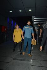 Yuvraj Singh with wife spotted at Hakkasan Bandra on 19th March 2019 (10)_5c91e4158d237.JPG