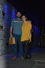 Yuvraj Singh with wife spotted at Hakkasan Bandra on 19th March 2019 (2)_5c91e40619b29.JPG