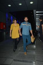 Yuvraj Singh with wife spotted at Hakkasan Bandra on 19th March 2019 (9)_5c91e413a8a44.JPG