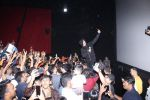 Akshay Kumar meets the fans at pvr juhu on 20th March 2019 (1)_5c93362b5b78f.JPG