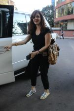 Sussane Khan spotted at Kromakay juhu on 20th March 2019 (1)_5c93369ba412e.JPG