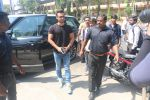 Aayush Sharma spotted at Bastian in bandra on 26th May 2019 (9)_5cebe301dfabd.JPG