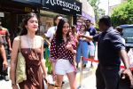 Ananya Panday & Shanaya Kapoor spotted at Bastian in bandra on 26th May 2019 (1)_5cebe311c7ebb.JPG