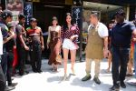 Ananya Panday & Shanaya Kapoor spotted at Bastian in bandra on 26th May 2019 (3)_5cebe318d8248.JPG
