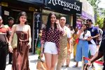 Ananya Panday & Shanaya Kapoor spotted at Bastian in bandra on 26th May 2019 (6)_5cebe3240dbb1.JPG