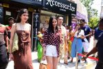 Ananya Panday & Shanaya Kapoor spotted at Bastian in bandra on 26th May 2019 (7)_5cebe32829d38.JPG