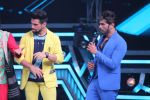 Himesh Reshammiya at super dancers on 26th May 2019 (19)_5cebe2da6b630.jpg