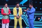 Himesh Reshammiya at super dancers on 26th May 2019 (20)_5cebe2dbe3175.jpg