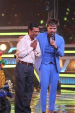 Himesh Reshammiya at super dancers on 26th May 2019 (24)_5cebe2e20610e.jpg