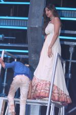 Shilpa Shetty at super dancers on 26th May 2019 (10)_5cebe2eec9210.jpg