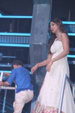 Shilpa Shetty at super dancers on 26th May 2019 (9)_5cebe2ed40ad7.jpg