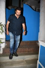 Sunny Deol spotted at a party in. Olive bandra on 26th May 2019 (16)_5cebe2cb7e9bd.JPG