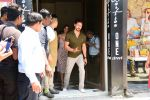 Tiger Shroff, Disha Patani spotted at Bastian in bandra on 26th May 2019 (23)_5cebe33253f51.JPG