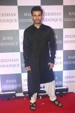 Karan Tacker at Baba Siddiqui iftaar party in Taj Lands End bandra on 2nd June 2019 (180)_5cf4ccf279b87.JPG