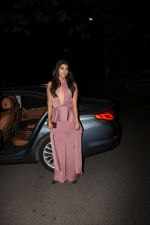 Pooja Hegde spotted at bandra on 2nd June 2019 (1)_5cf4c7e7e3ec7.JPG
