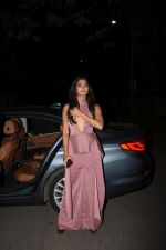 Pooja Hegde spotted at bandra on 2nd June 2019 (10)_5cf4c80593334.JPG