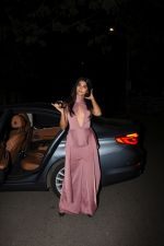 Pooja Hegde spotted at bandra on 2nd June 2019 (6)_5cf4c7fb708b6.JPG