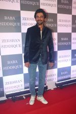 Sunil Grover at Baba Siddiqui iftaar party in Taj Lands End bandra on 2nd June 2019 (62)_5cf4ceac15a03.JPG
