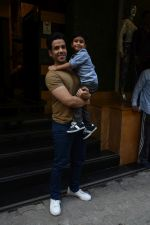 Tusshar Kapoor at the Birthday celebration of Tusshar Kapoor_s son Lakshya at bandra on 1st June 2019 (33)_5cf615080998d.JPG