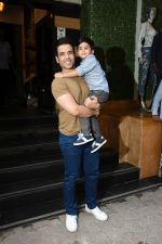 Tusshar Kapoor at the Birthday celebration of Tusshar Kapoor_s son Lakshya at bandra on 1st June 2019 (34)_5cf6150985d21.JPG
