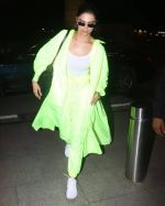 Deepika Padukone Spotted At Aiport on 10th June 2019 (10)_5d022fbcb7c67.jpg