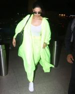 Deepika Padukone Spotted At Aiport on 10th June 2019 (4)_5d022fb541a07.jpg