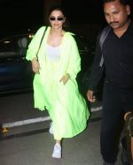 Deepika Padukone Spotted At Aiport on 10th June 2019 (5)_5d022fb65de64.jpg