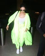 Deepika Padukone Spotted At Aiport on 10th June 2019 (7)_5d022fb881eff.jpg
