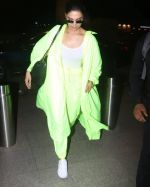 Deepika Padukone Spotted At Aiport on 10th June 2019 (8)_5d022fba94212.jpg