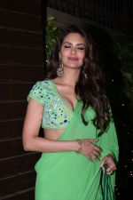 Esha Gupta at Raza Beig_s Eid party at his juhu residence on 7th June 2019 (45)_5d0234d8dc119.JPG