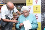 Javed Akhtar At The Launch Of Author Sonal Sonkavde 2nd Book _SO WHAT_ on 10th June 2019 (4)_5d0240284257f.jpg