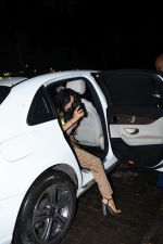 Kiara Advani spotted at Izumi bandra on 10th June 2019 (1)_5d02324b3d122.JPG