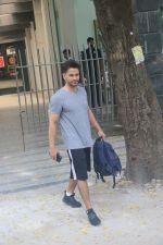 Kunal Khemu spotted at gym in bandra on 10th June 2019 (6)_5d02327c83cf1.JPG