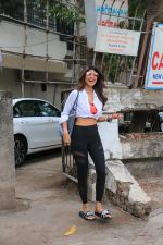 Shilpa Shetty spotted at kromakay juhu on 11th June 2019 (5)_5d02477d1ae3f.JPG