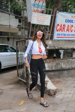 Shilpa Shetty spotted at kromakay juhu on 11th June 2019 (6)_5d02477f0be13.JPG