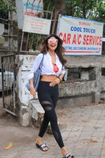 Shilpa Shetty spotted at kromakay juhu on 11th June 2019 (7)_5d02478111845.JPG