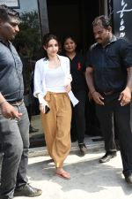 Soha Ali Khan spotted at Bastian Bandra on 8th June 2019 (26)_5d02364ae31a7.JPG