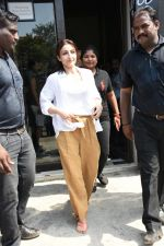 Soha Ali Khan spotted at Bastian Bandra on 8th June 2019 (29)_5d0236506fe3f.JPG