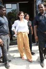 Soha Ali Khan spotted at Bastian Bandra on 8th June 2019 (31)_5d023653a77d3.JPG