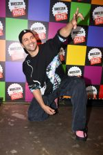 Varun Dhawan at the Breezer Vivid Shuffle event at Khar Social on 12th June 2019