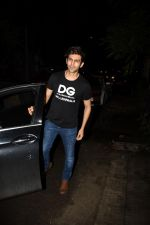 Kartik Aaryan spotted at Dharma films office in khar on 13th June 2019 (17)_5d033ec8ec776.JPG