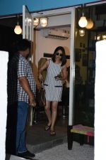 Yami Gautam spotted at Bblunt bandra on 16th June 2019 (3)_5d074f6c95e0e.JPG