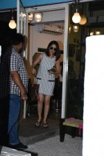 Yami Gautam spotted at Bblunt bandra on 16th June 2019 (4)_5d074f6e1147d.JPG