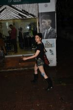 Aditi Rao Hydari spotted at a salon bandra on 15th June 2019 (7)_5d0734bbe89e5.JPG
