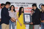 Divya Kumar , Bhushan Kumar has been felicitated with an official certificate from Guinness World Records as T-Series became the first YouTube channel to reach 100 million subscribers on 17th June 2019 (37)_5d07359e66d4c.JPG