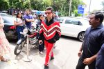 Karan Johar spotted at Bastian in bandra on 16th June 2019 (15)_5d0755c7e93aa.jpg