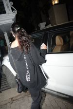 Khushi Kapoor spotted at juhu on 17th June 2019 (4)_5d08940a4cd66.JPG