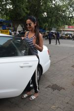 Sonal Chauhan spotted at a salon in andheri on 17th June 2019 (5)_5d089461634db.JPG