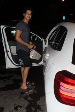 Ishaan Khattar spotted at Myrah spa in juhu on 18th June 2019 (3)_5d09d7d829994.JPG